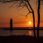 Sunset At The Lighthouse In Muskegon Michigan Art Print