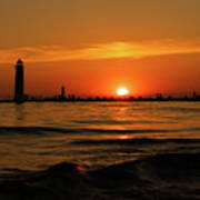 Sunset Silhouettes At Grand Haven Michigan Art Print