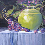 The Green Pot And Grapes Art Print