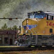 Train Coming Through Art Print