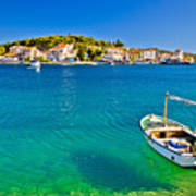Turquoise Beach And Boat In Rogoznica Art Print