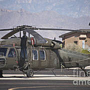 Uh-60 Black Hawk Helicopter At Pinal Art Print