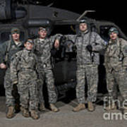 U.s. Army Crew Chiefs Pose In Front Art Print