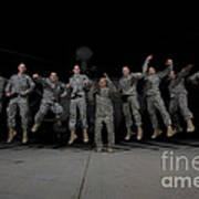 U.s. Army Pilots & Crew Chiefs Jump Art Print