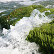 Wave Splash On The Green Rock Art Print