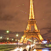 The Eiffel Tower Lit Up At Night In Art Print