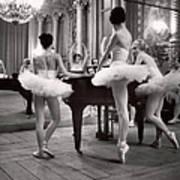 Ballerinas At The Paris Opera Doing Art Print
