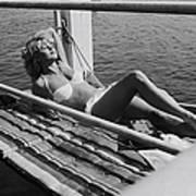 Brigitte Bardot Sur Le Tournage De Vie Art Print