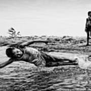 Children In The Water Art Print
