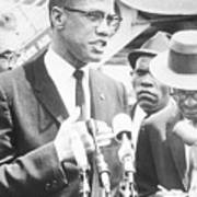 Malcolm X Speaking To The Press Art Print