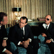 Richard Nixon Talking With Yitzhak Art Print