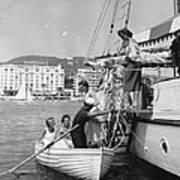 Rowing Ashore Art Print
