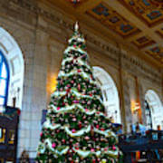 Union Station Decorates For Christmas In Kansas City Art Print
