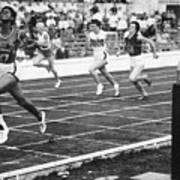 Wilma Rudolph Sprinting Across Finish Art Print