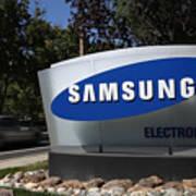 Trial Begins In Apple-Samsung Patent Battle Art Print