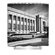 The Field Museum In Chicago In Black And White Shower Curtain