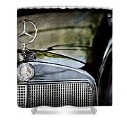 1960 Mercedes-benz 220 Se Convertible Hood Ornament Shower Curtain