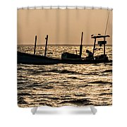 Crabbing On The Bay Shower Curtain
