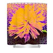 Crisantemo Dorado Shower Curtain