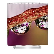 Daisy Droplets Shower Curtain