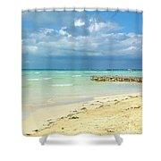 De Playa Shower Curtain