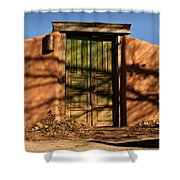 Entrada Al Patio Shower Curtain