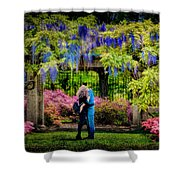 New York Lovers In Springtime Shower Curtain