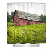 Old Red Barn In A Field - Rustic Landscapes Shower Curtain