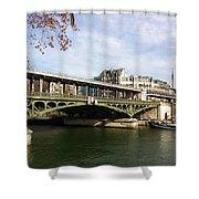 ponte verde a Parigi Shower Curtain