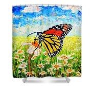 Royal Monarch Butterfly In Daisies Shower Curtain