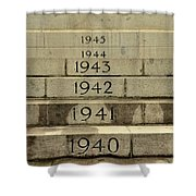 Singapore Cenotaph Monument Yearly Steps For World War Two Shower Curtain