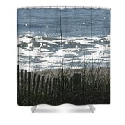 Single Dune Fence Shower Curtain