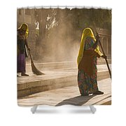 Skn 1690 Twin Sweepers Shower Curtain