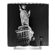 Statue Of Liberty On V-e Day Shower Curtain