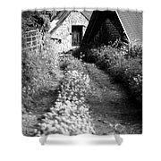 Wild Garlic Track Shower Curtain