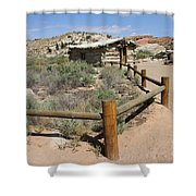 Wolfes Ranch - Arches Nationalpark Shower Curtain