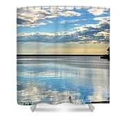 02 Reflecting Shower Curtain