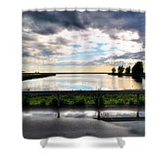 03 Reflecting Shower Curtain
