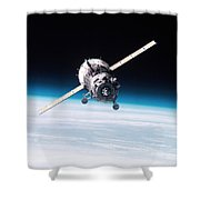Iss Crew Arriving By Soyuz Spacecraft Shower Curtain by NASA / Science Source