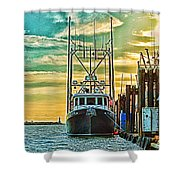 Single Fish Boat Hdr Shower Curtain