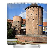 Stagiewna Gate Gothic Tower Shower Curtain