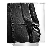Stiff Colar Shower Curtain