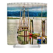 Ucluelet Harbour Hdr Shower Curtain