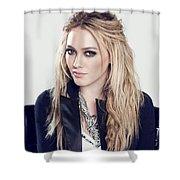 83110 Blonde Jacket Sitting Simple Background Hazel Eyes Hilary Duff Women Shower Curtain