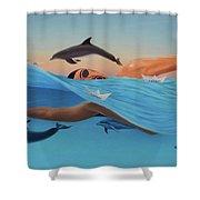 Nadando Contra Corriente Shower Curtain