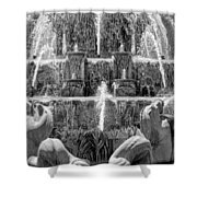 Buckingham Fountain Closeup Black And White Shower Curtain