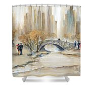 Gapstow Bridge And Lovers Shower Curtain