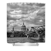 London - St. Pauls Cathedrale Shower Curtain