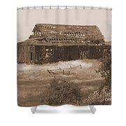 Old Barn In Oregon Shower Curtain