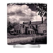 Old Farmhouse In Maine Shower Curtain